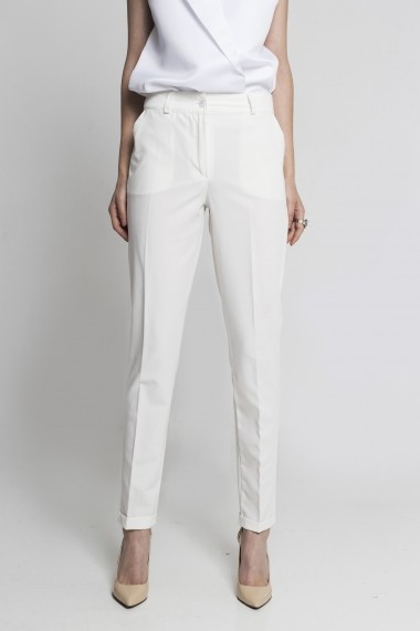 Pantaloni albi de femei marca SOIGNE