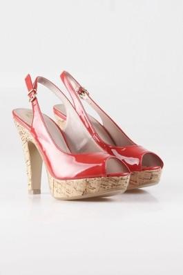 Sandale Bata rosii, cu aspect lucios, preturi, ieftine
