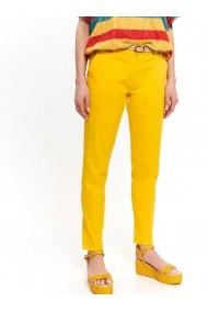 Pantaloni drepti Top Secret TOP-SSP3237ZO Galben