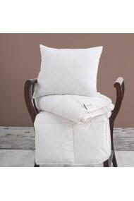 Set perna si paturica pentru nou-nascut Marie Claire 153MCL9128 alb