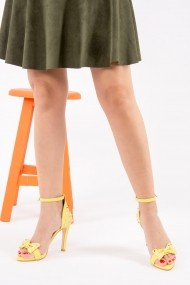 Pantofi cu toc Fox Shoes H820202509 galben