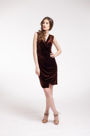 Rochie de cocktail Couture de Marie din catifea maro si slit frontal