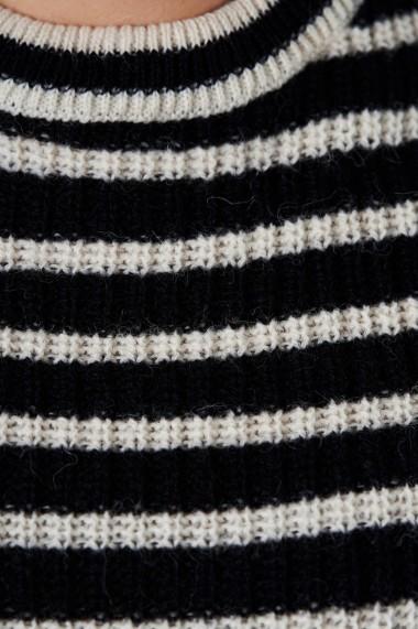 Pulover Amavi din tricot cu dungi Albastru