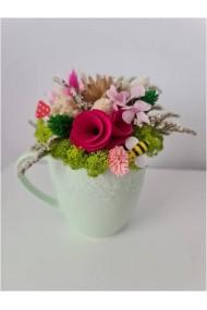 Mini-aranjament cu licheni, flori uscate si flori criogenate