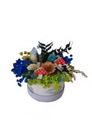 Mini-aranjament in cutie lila cu licheni, flori uscate si flori criogenate