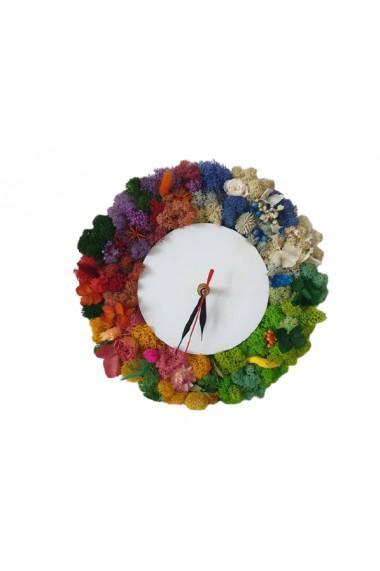 Ceas decorat cu licheni
