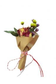 Martisor din flori uscate Mini Buchet