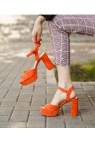 Sandale inalte cu toc gros Bigiottos portocalii
