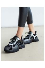 Sneakers din piele naturala cu talpa neagra