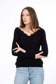 Bluza neagra cu dantela, BE YOU