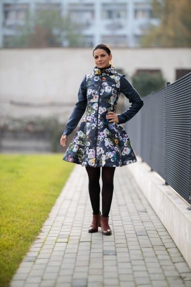 Jacheta in clos cu imprimeu floral