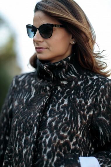 Capa eleganta din lana, Toka