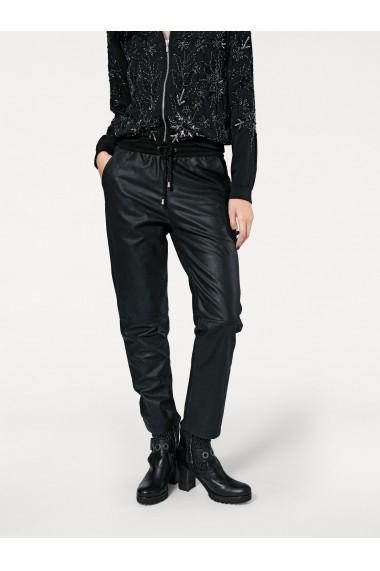 Pantaloni sport MODERN IDENTITY 017843 negru