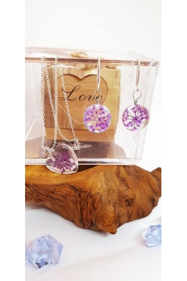 Set Pandantiv si cercei Handmade with Love cu Floare naturala Daucus Carota mov prinsa in sticla