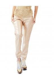 Pantaloni aurii din piele