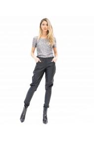 Pantaloni negri din piele cu buzunare