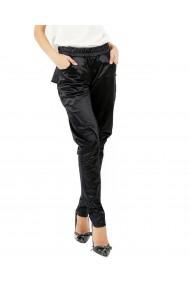 Pantaloni negri din satin elastic cu buzunare si volan