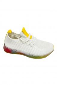 Pantofi sport cu talpa colorata