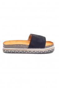 Papuci negri cu platforma