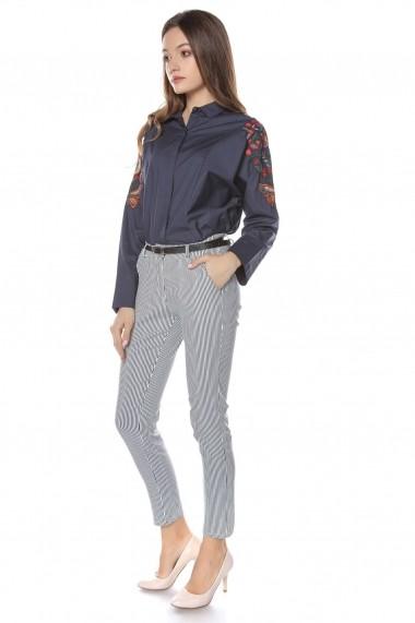 Pantaloni drepti Roh Boutique in dungi albe si bleumarin, ROH - TR303 alb|bleumarin