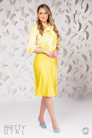 Bluza Pretty Girl alba cu imprimeu galben si guler tip esarfa