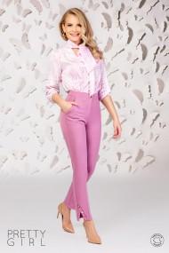 Bluza Pretty Girl alba cu imprimeu roz si guler tip esarfa