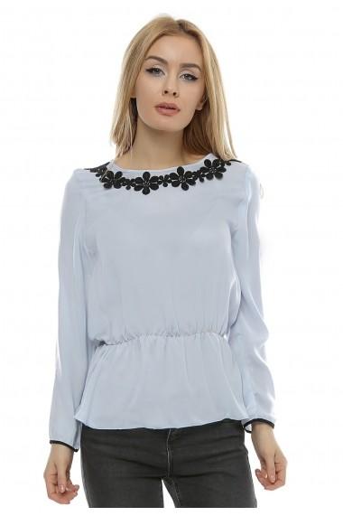 Bluza bleu cu dantela brodata Neagra b101