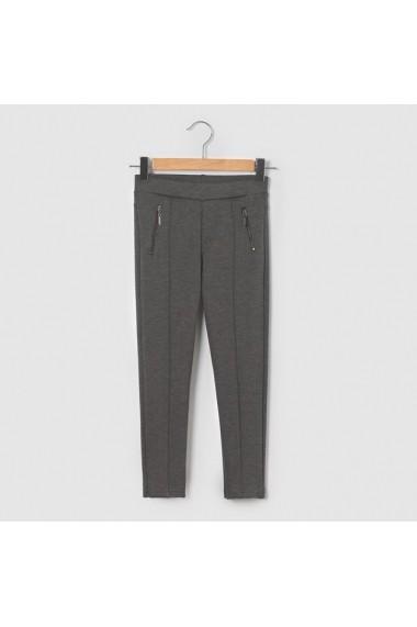 Pantaloni R essentiel 6271588 Gri