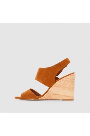 Sandale cu toc R STUDIO 4554302 Maro deschis