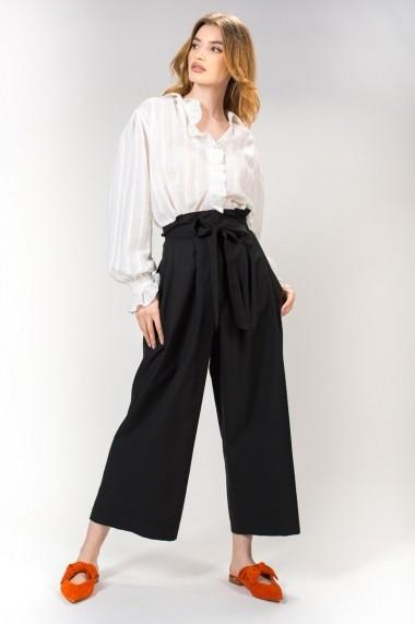 Pantalon negru, RVL