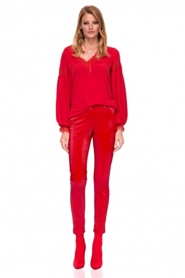 Pantaloni skinny NISSA slim cu textura lucioasa Rosu