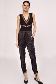 Pantaloni skinny NISSA satinati cu detalii ajustabile Negru