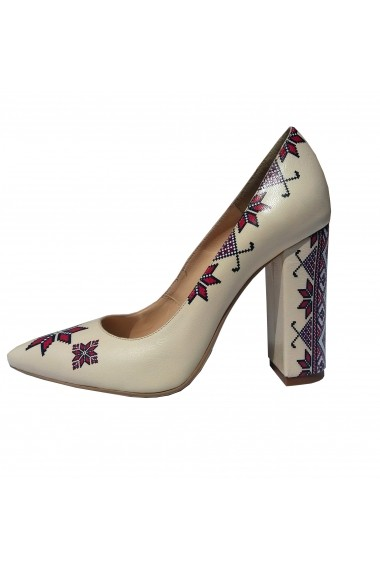 Pantofi cu toc Crisstalus cu motive traditionale printate