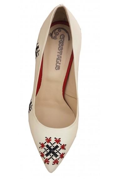 Pantofi cu toc Crisstalus, din piele naturala cu motive traditionale brodate