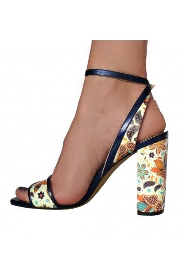 Sandale Crisstalus cu motive florale indiene printate