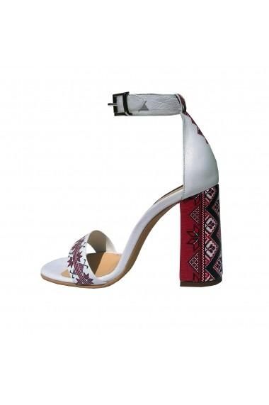 Sandale Crisstalus din piele, cu motive traditionale printate