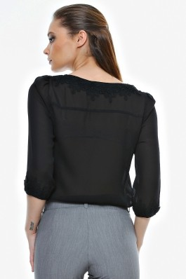 Bluza Crisstalus neagra cu aplicatie din dantela