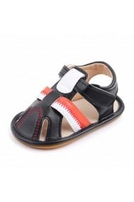 Sandalute negre pentru baietei