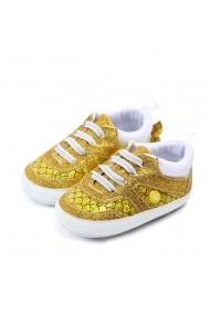Adidasi fetite - Pestisorul auriu