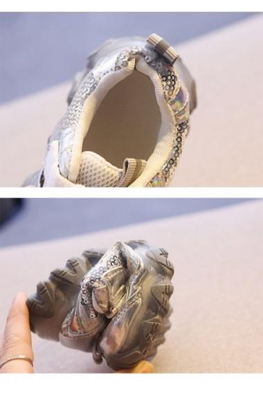 Adidasi arginti cu paiete si cu luminite
