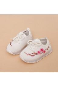 Adidasi albi cu floricele brodate