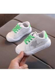 Adidasi albi cu sireturi verde neon