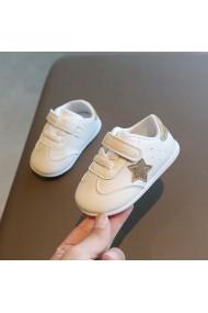 Adidasi albi cu stea aurie pentru fetite