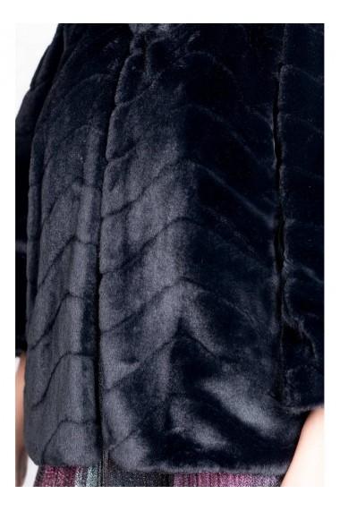 Capa neagra din blana ecologica NOA 82030NGR