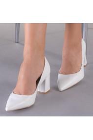 Дамски обувки Prista бели