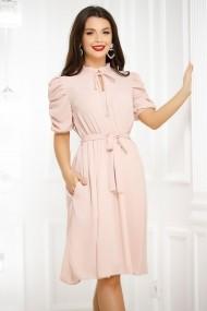 Rochie Aliona roz pudra cu maneci incretite