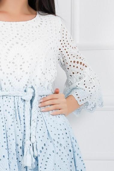 Rochie Celia alba cu bleu in degrade din bumbac cu detalii perforate