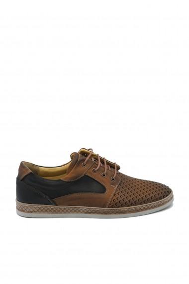 Pantofi maro perforati barbati din piele naturala