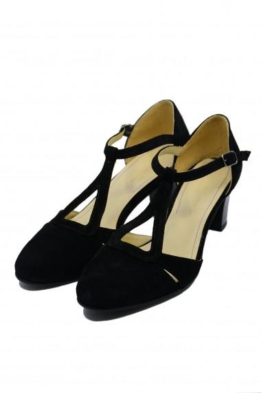 Pantofi decupati eleganti negri din piele intoarsa