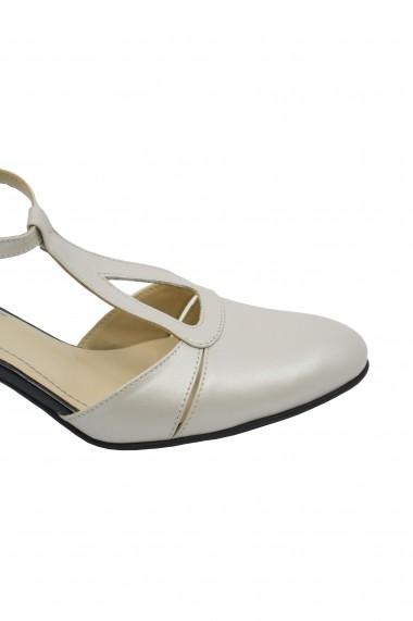 Pantofi decupati eleganti bej sidefat din piele naturala